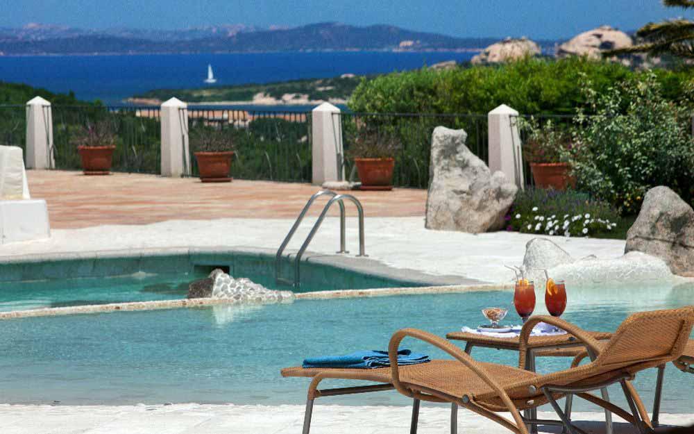 Pool at Hotel Pulicinu