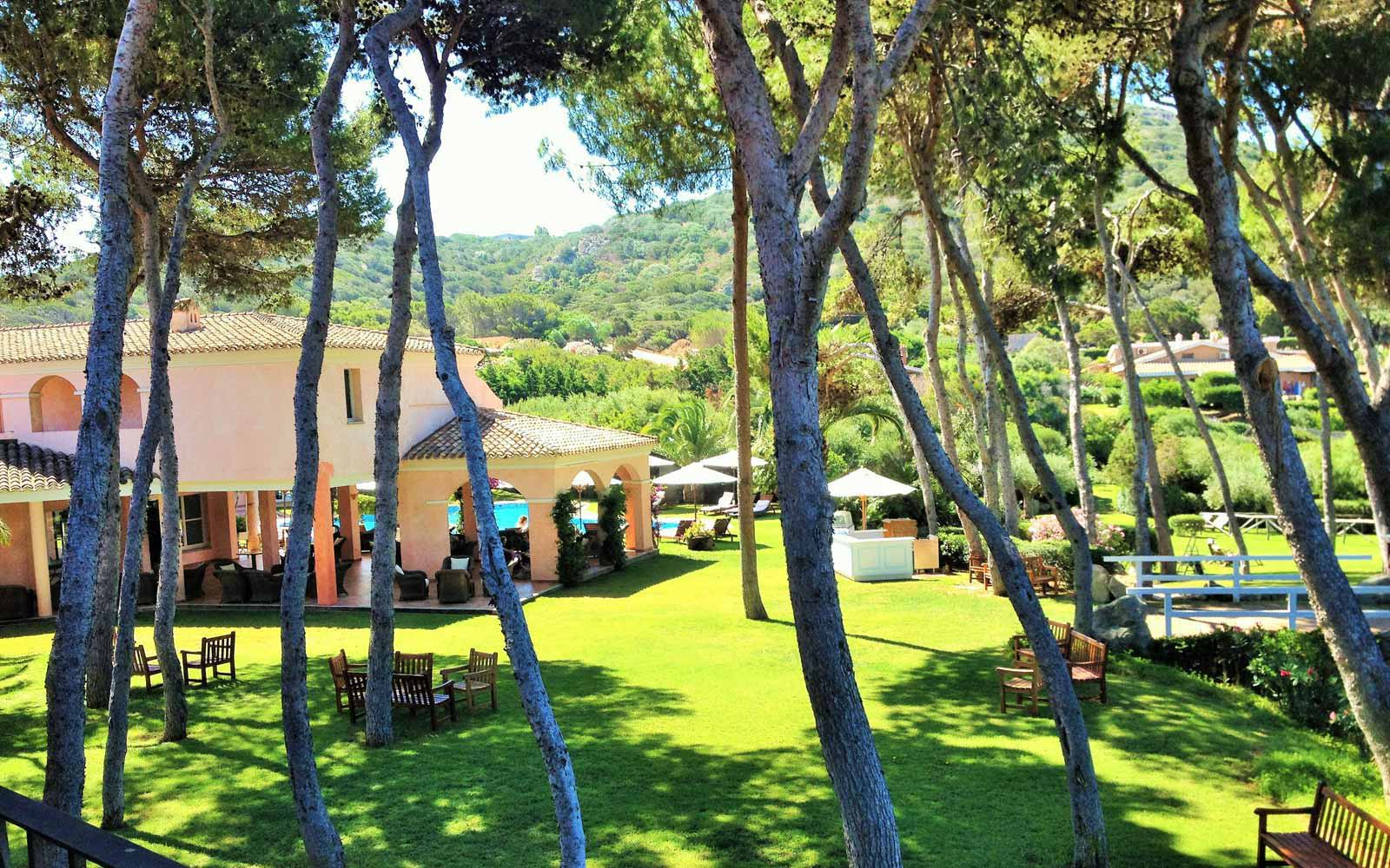 Lush and gardens at Hotel Cala Caterina