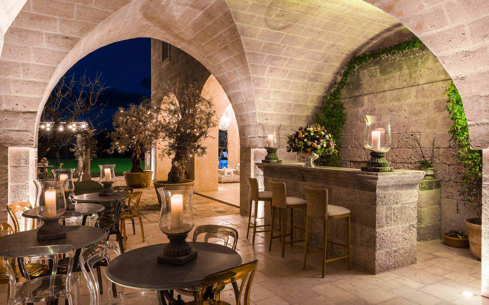 Candlelight night at La Residenza of Masseria Pettolecchia