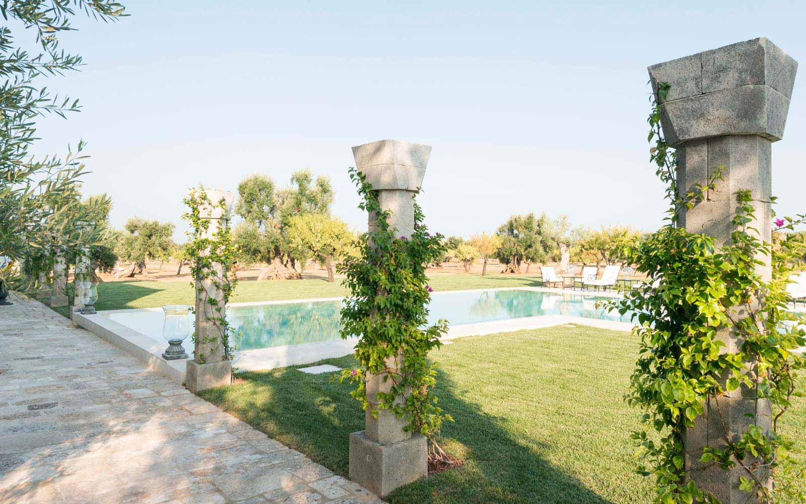 Garden in La Residenza of Masseria Pettolecchia