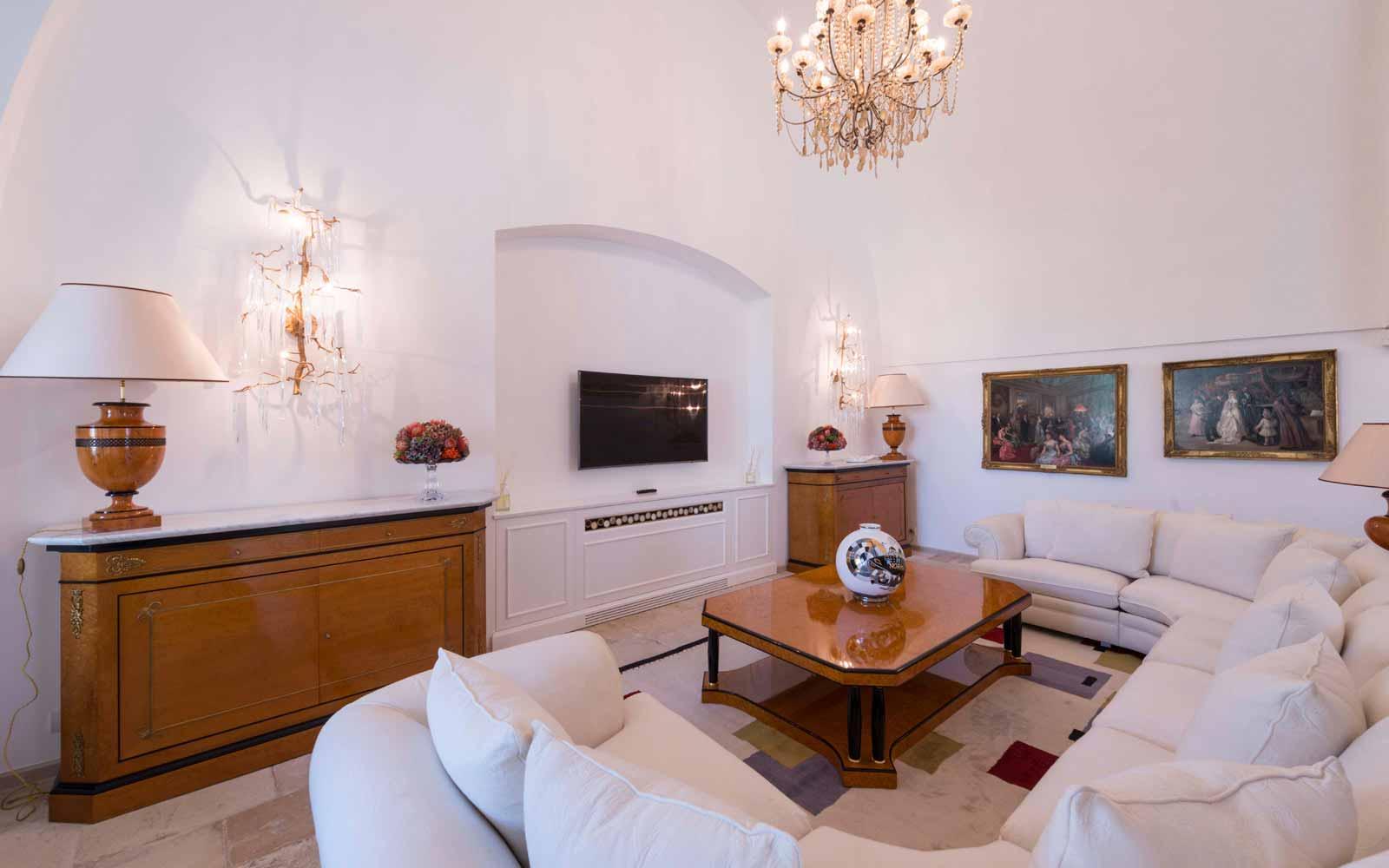 Sofas at La Residenza of Masseria Pettolecchia