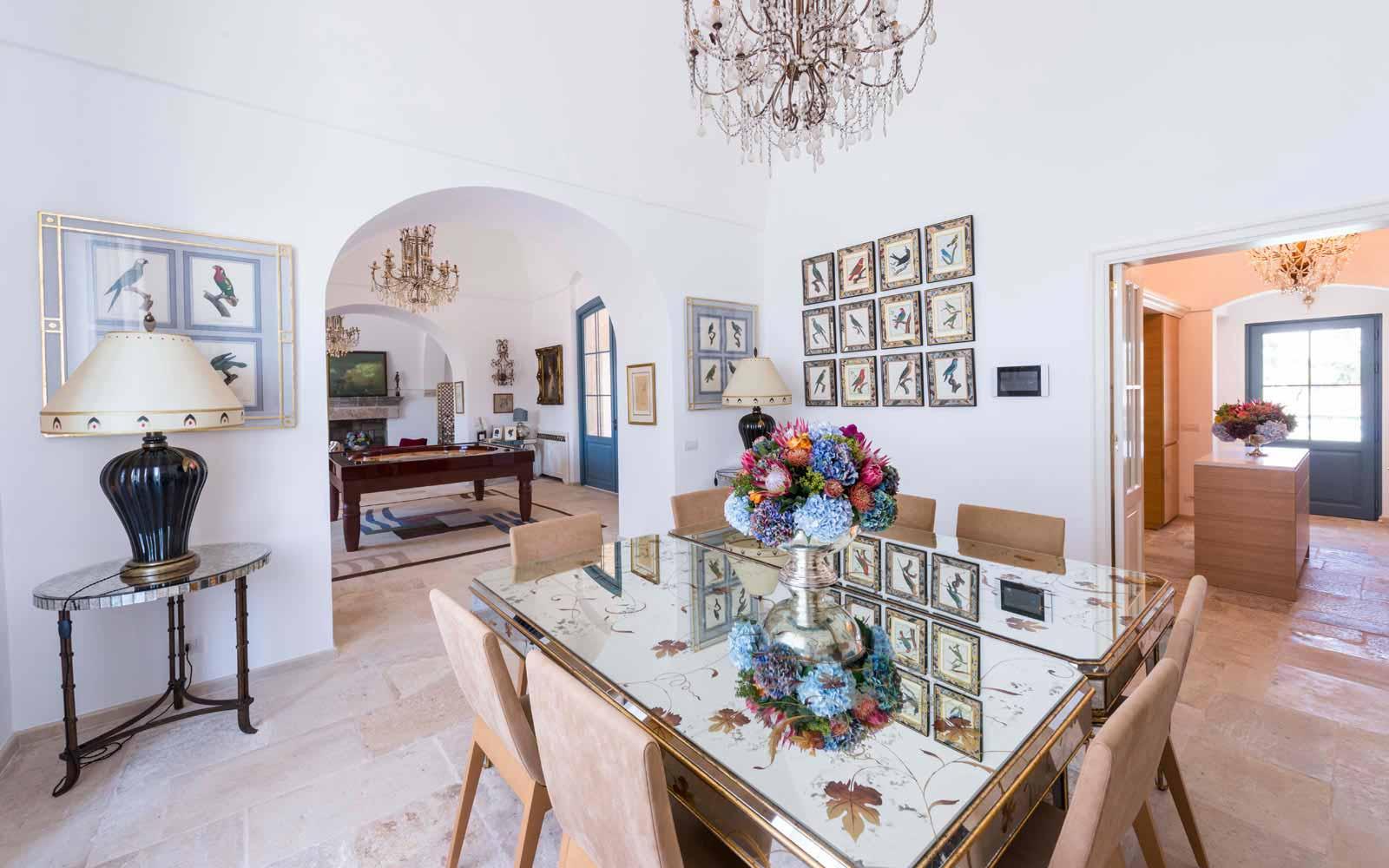 Dining room at La Residenza of Masseria Pettolecchia