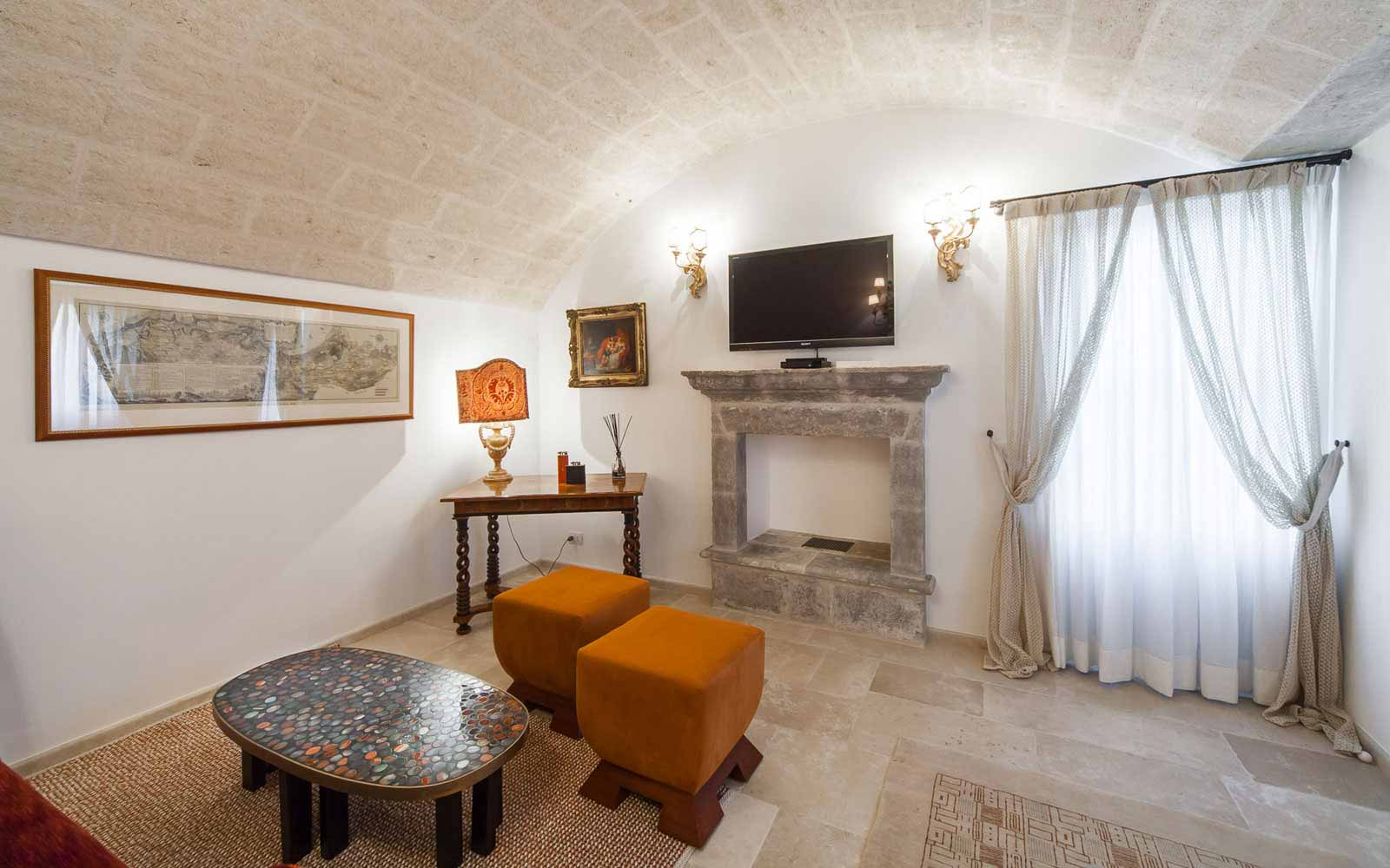 Living area at La Residenza of Masseria Pettolecchia