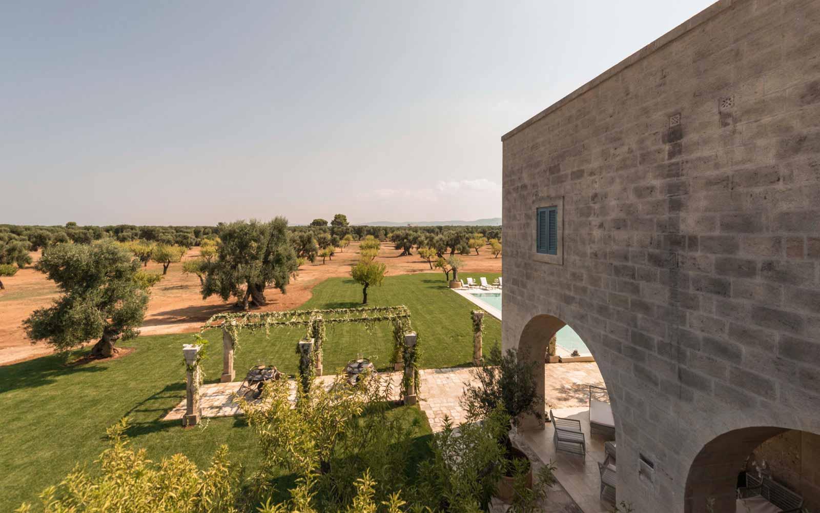 View of La Residenza of Masseria Pettolecchia