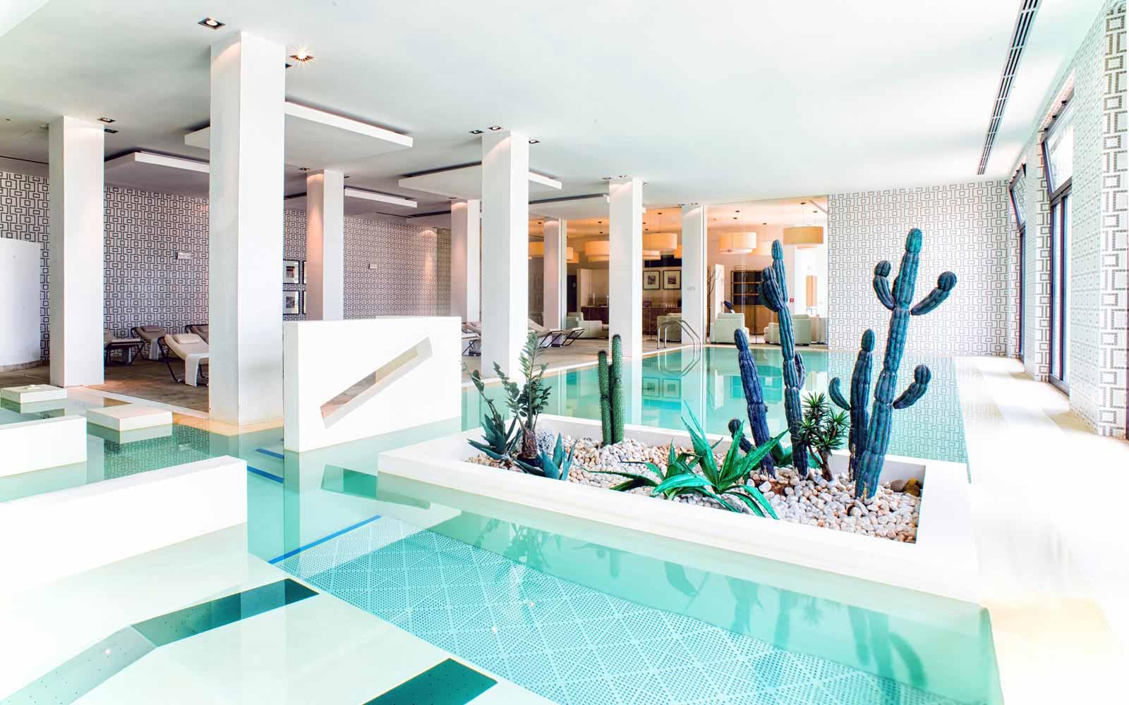 Spa pools at Donnafugata Golf Resort & Spa