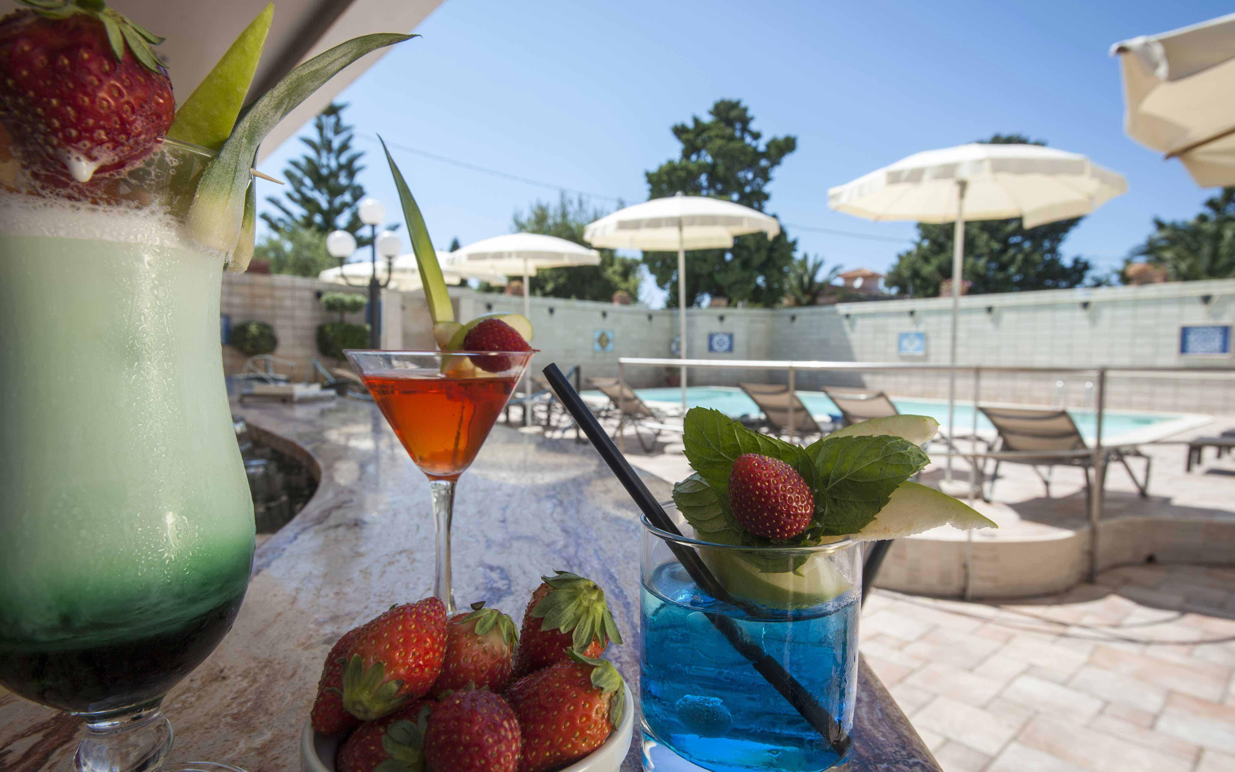 Pool Bar at Baia del Capitano