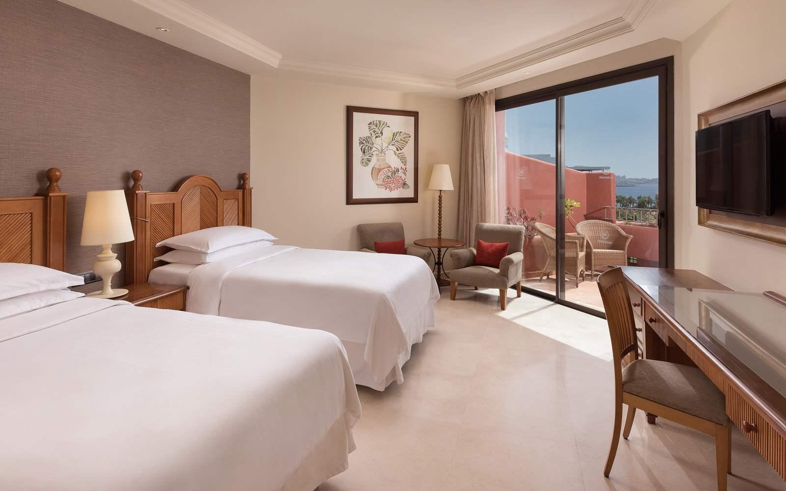 Sheraton La Caleta Resort & Spa - Twin Guest Room