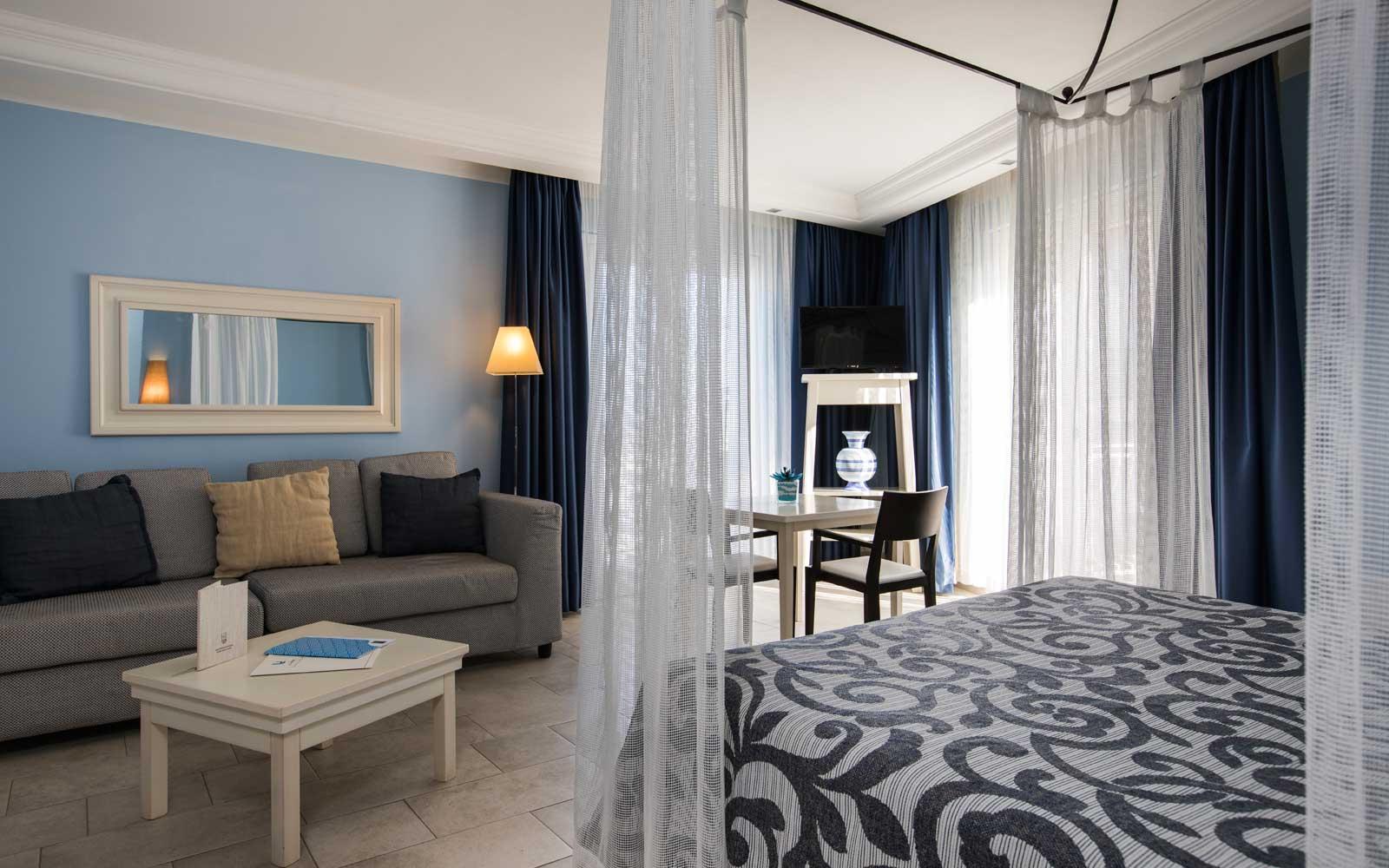 Junior Suite Lounge Area at Hotel Riviera
