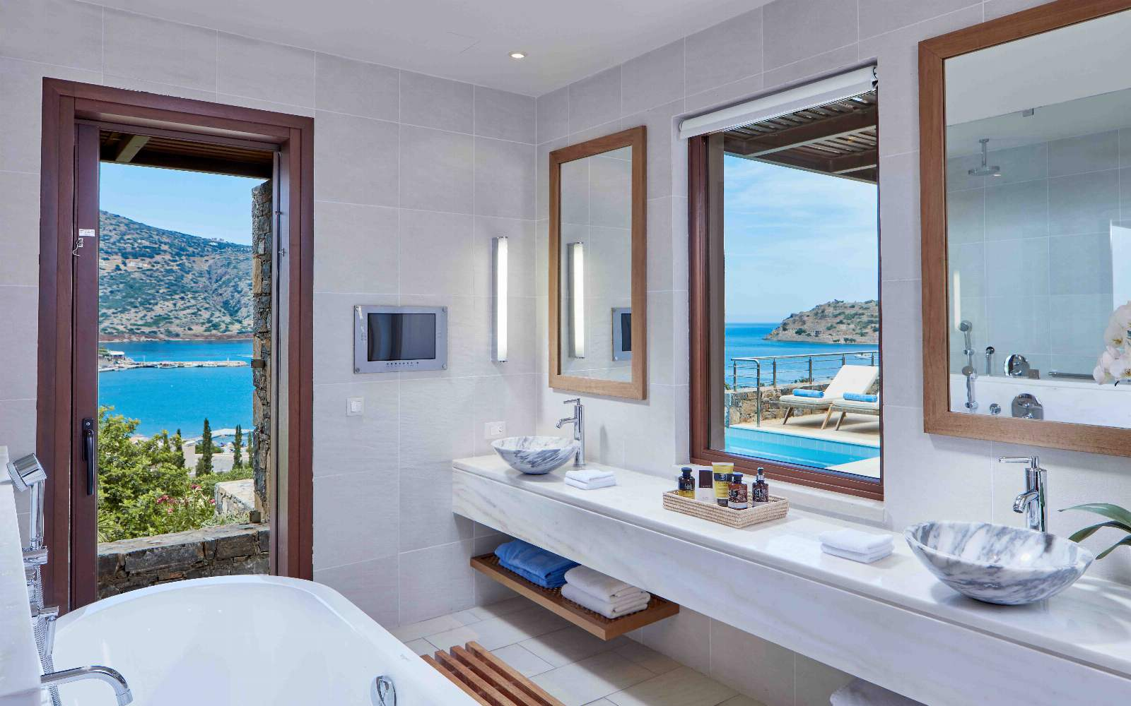 Blue Palace Island Luxury Suite With Private Pool