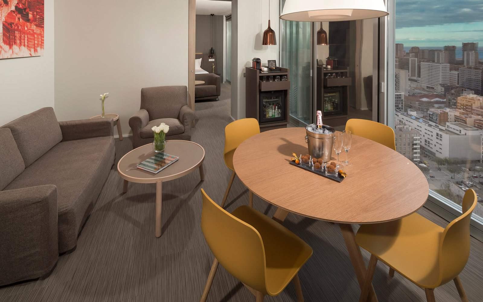 Melia Sky Barcelona - Exucutive Suite - living room