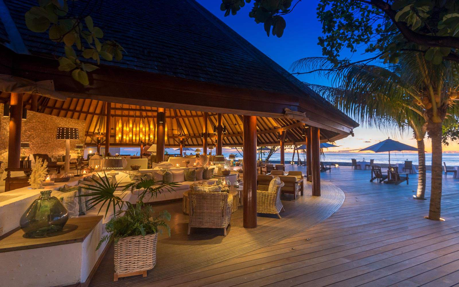 Denis Private Island - bar