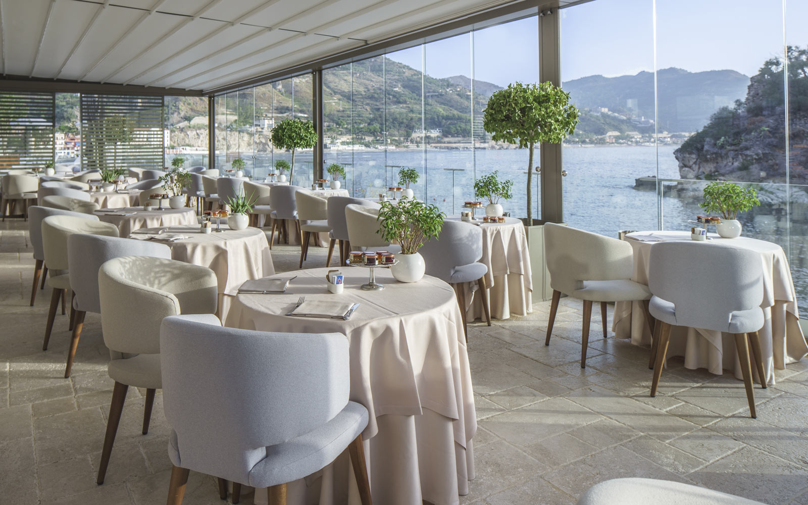 Ippocampo Restaurant at Grand Hotel Atlantis Bay