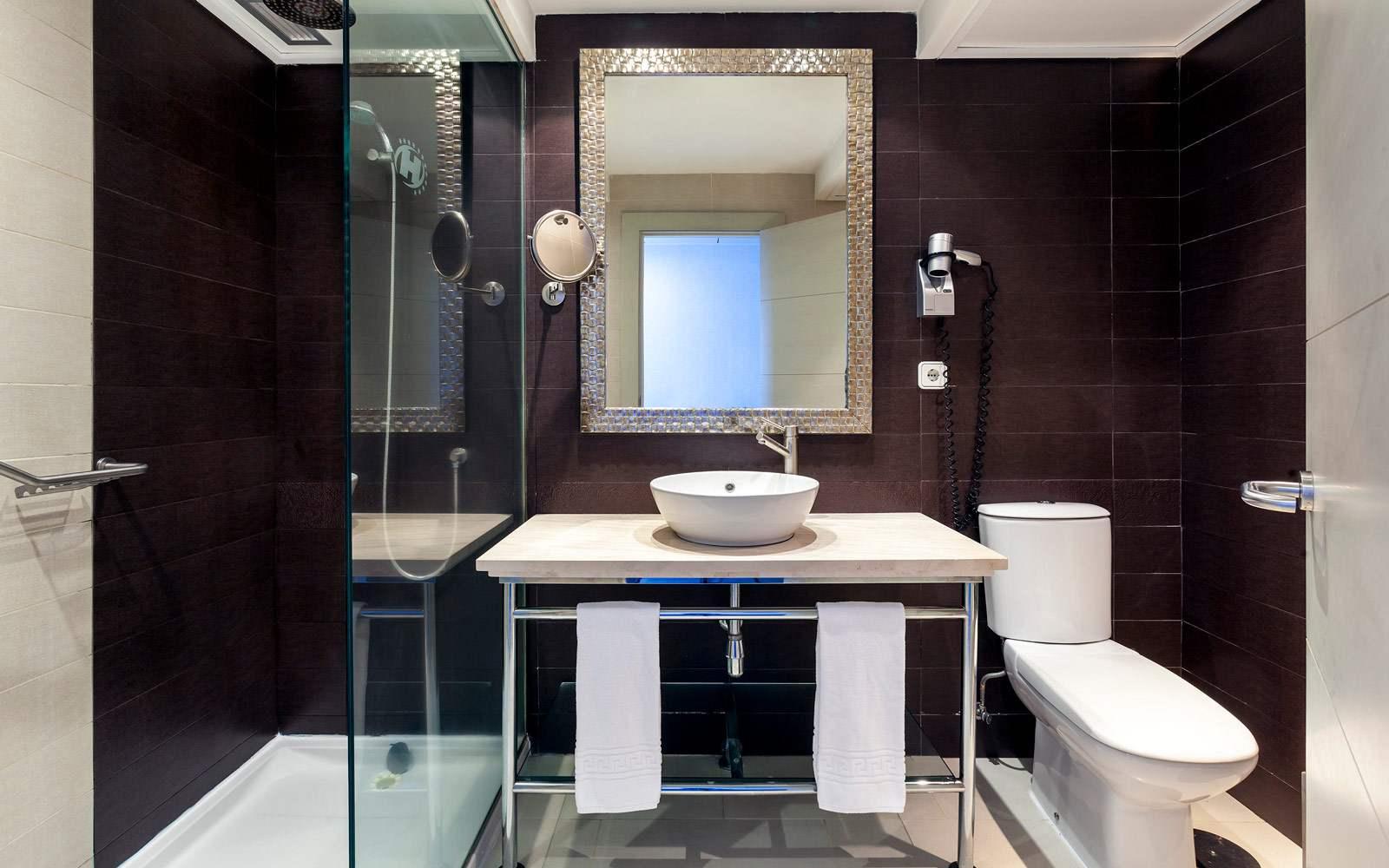 Sol Costa Atlantis Sol Room Bathroom