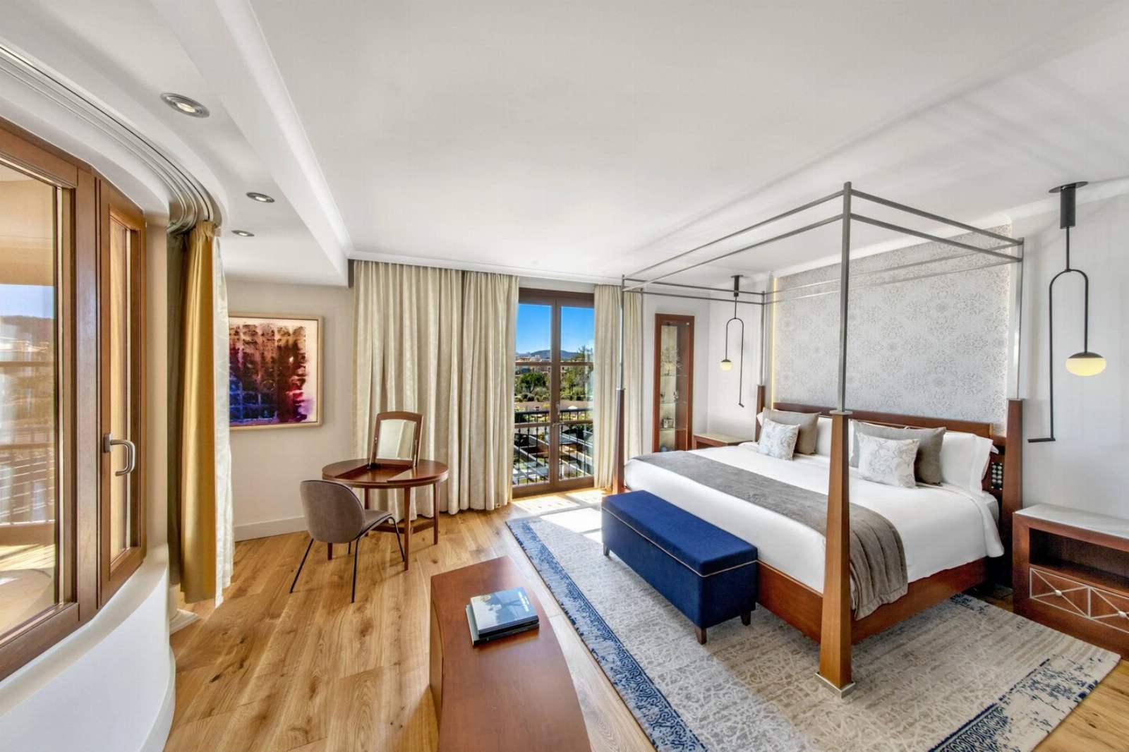 St. Regis Mardavall Resort - Mardavall Diamond Suite
