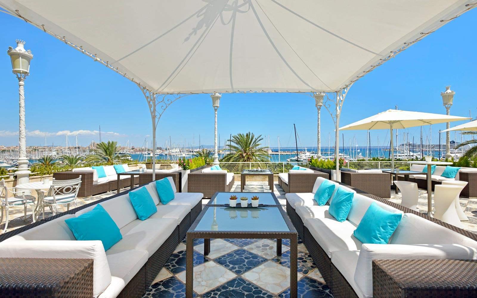 Gran Melia Victoria - bar terrace