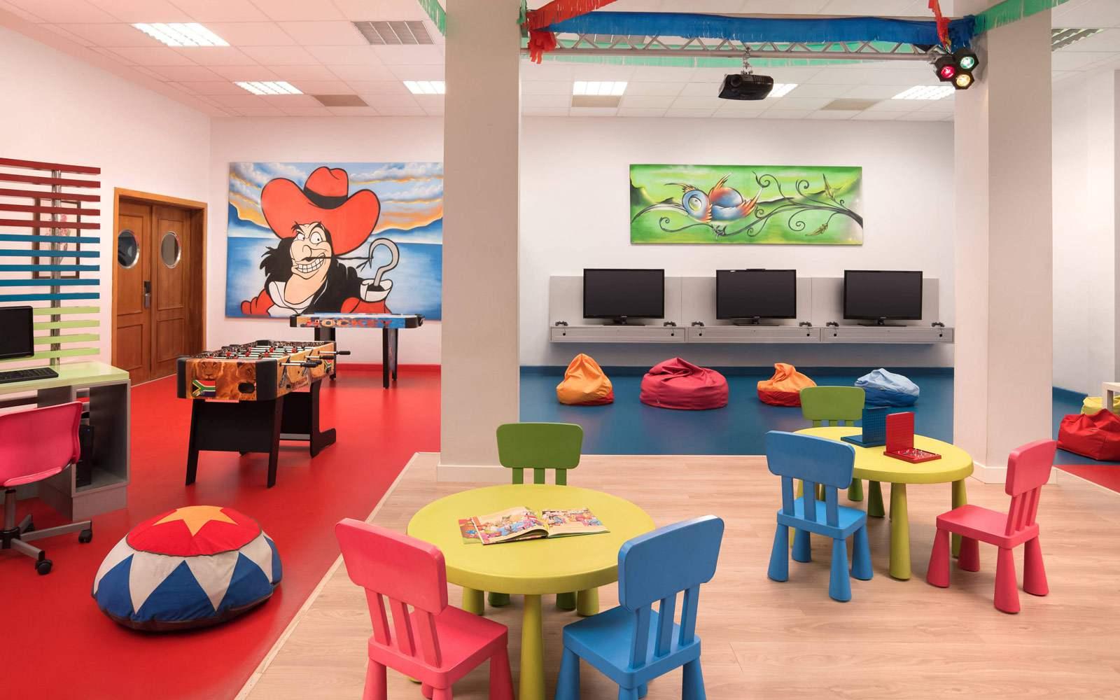 Sheraton La Caleta Resort & Spa - Magma Club Play Room
