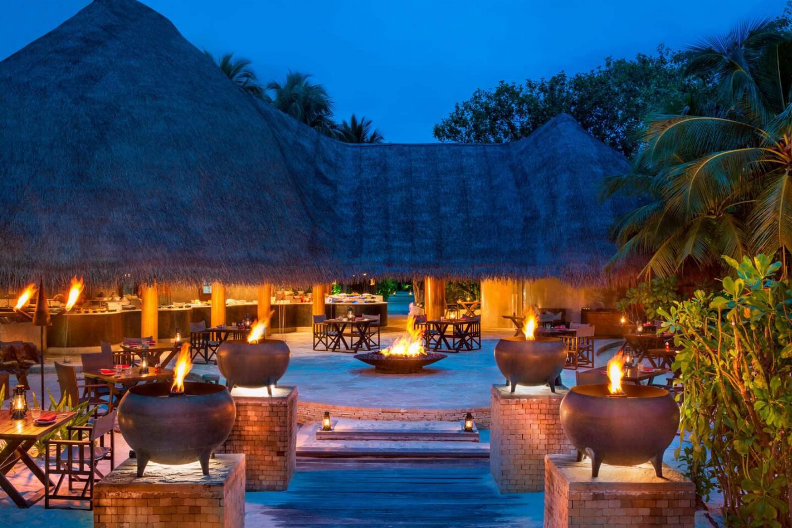 W Maldives - Outdoor Lounge Area