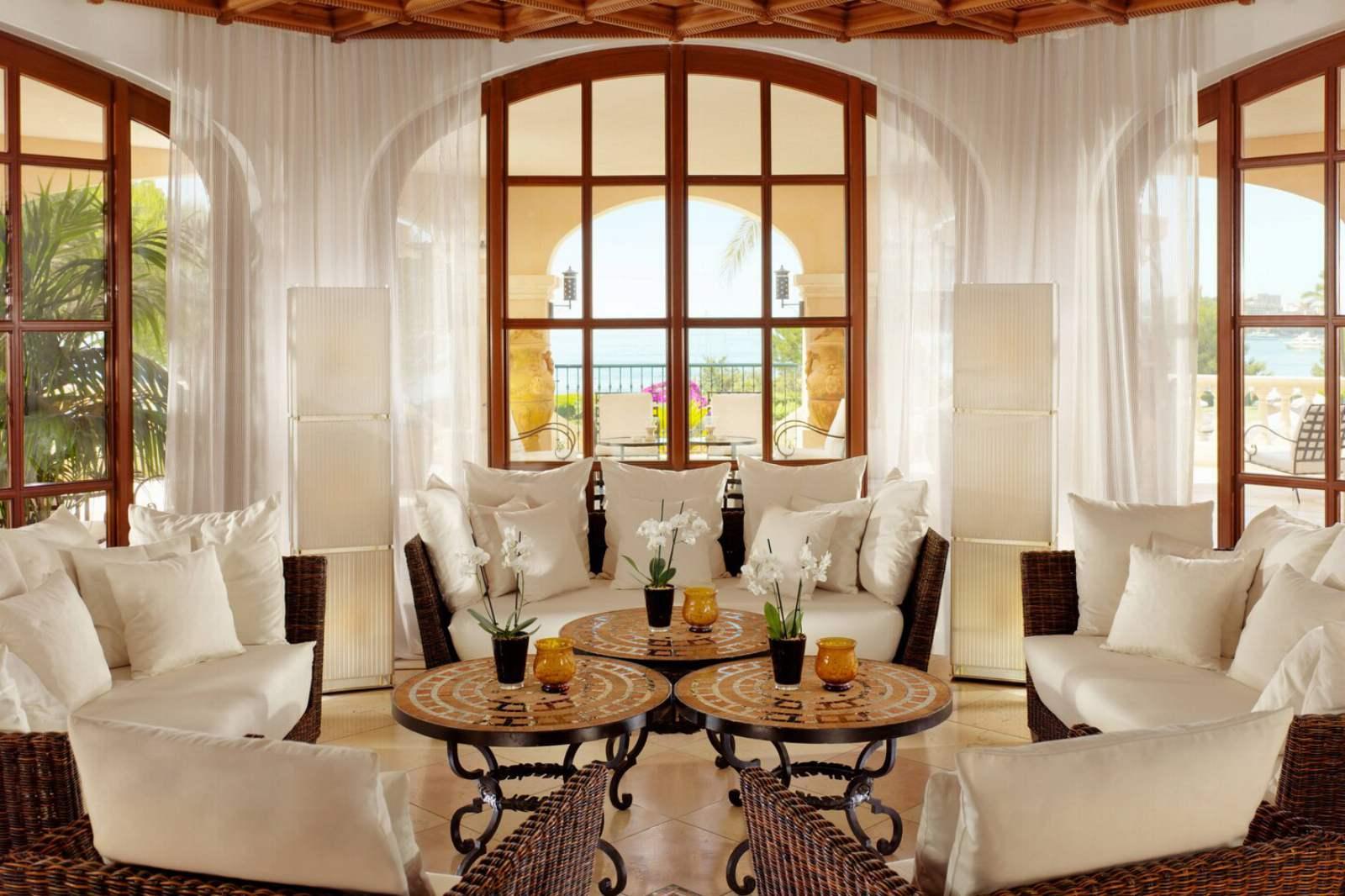 St. Regis Mardavall Resort - Moroccan Lounge