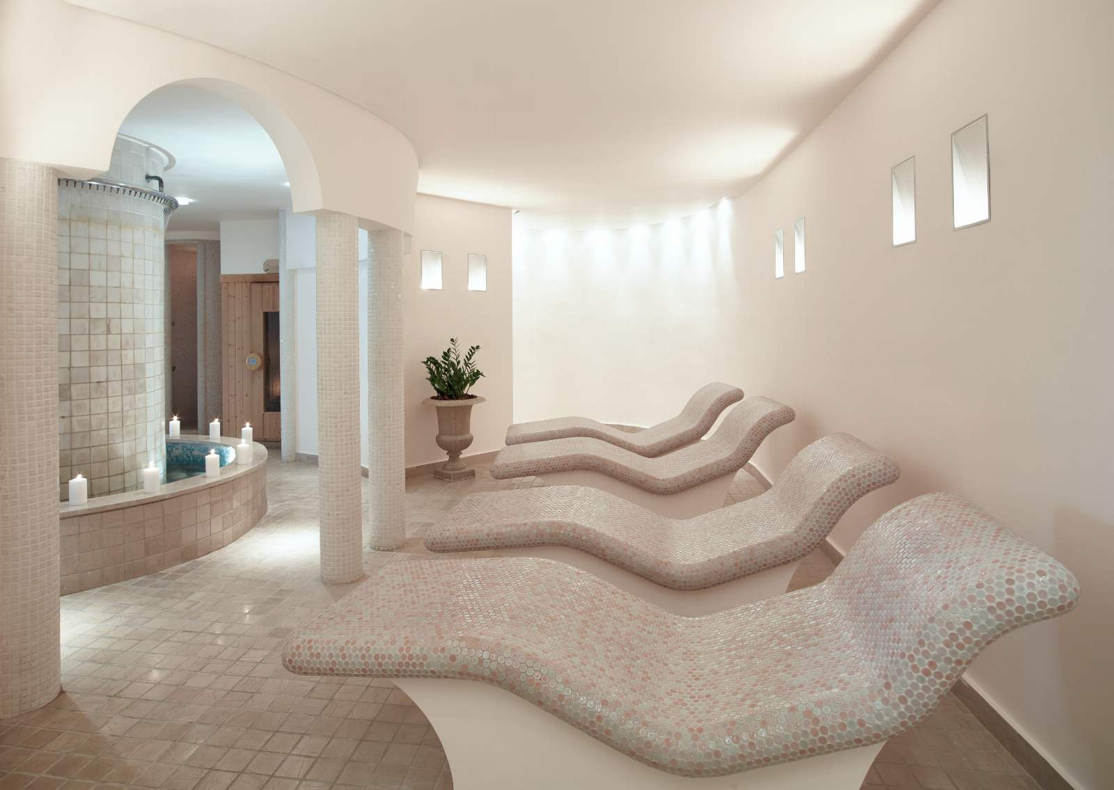 Sani Beach Spa Hotbeds