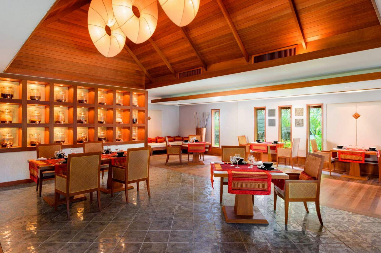 Sheraton Maldives Full Moon Resort & Spa Baan Thai Restaurant