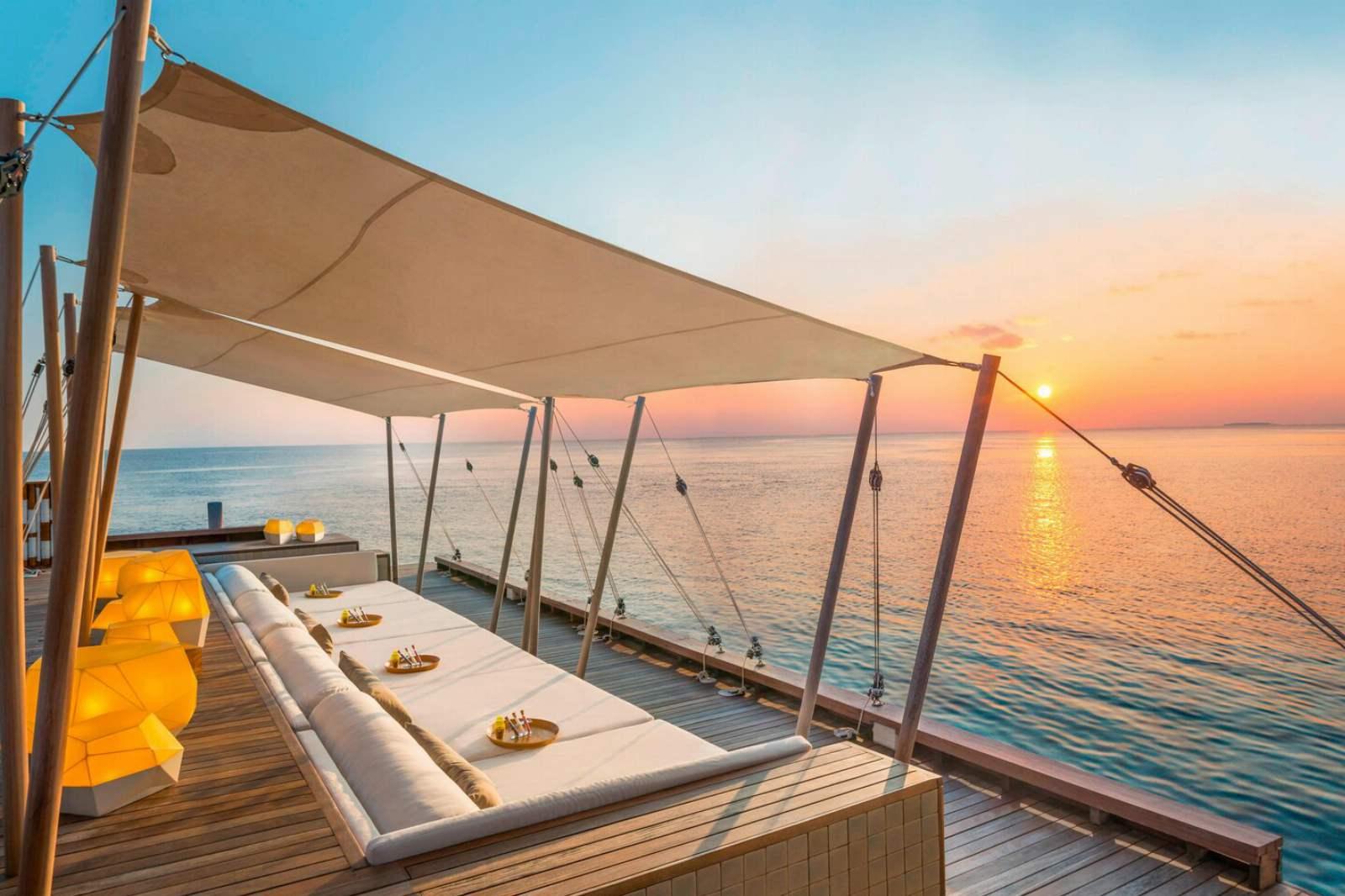 W Maldives - SIP Bar