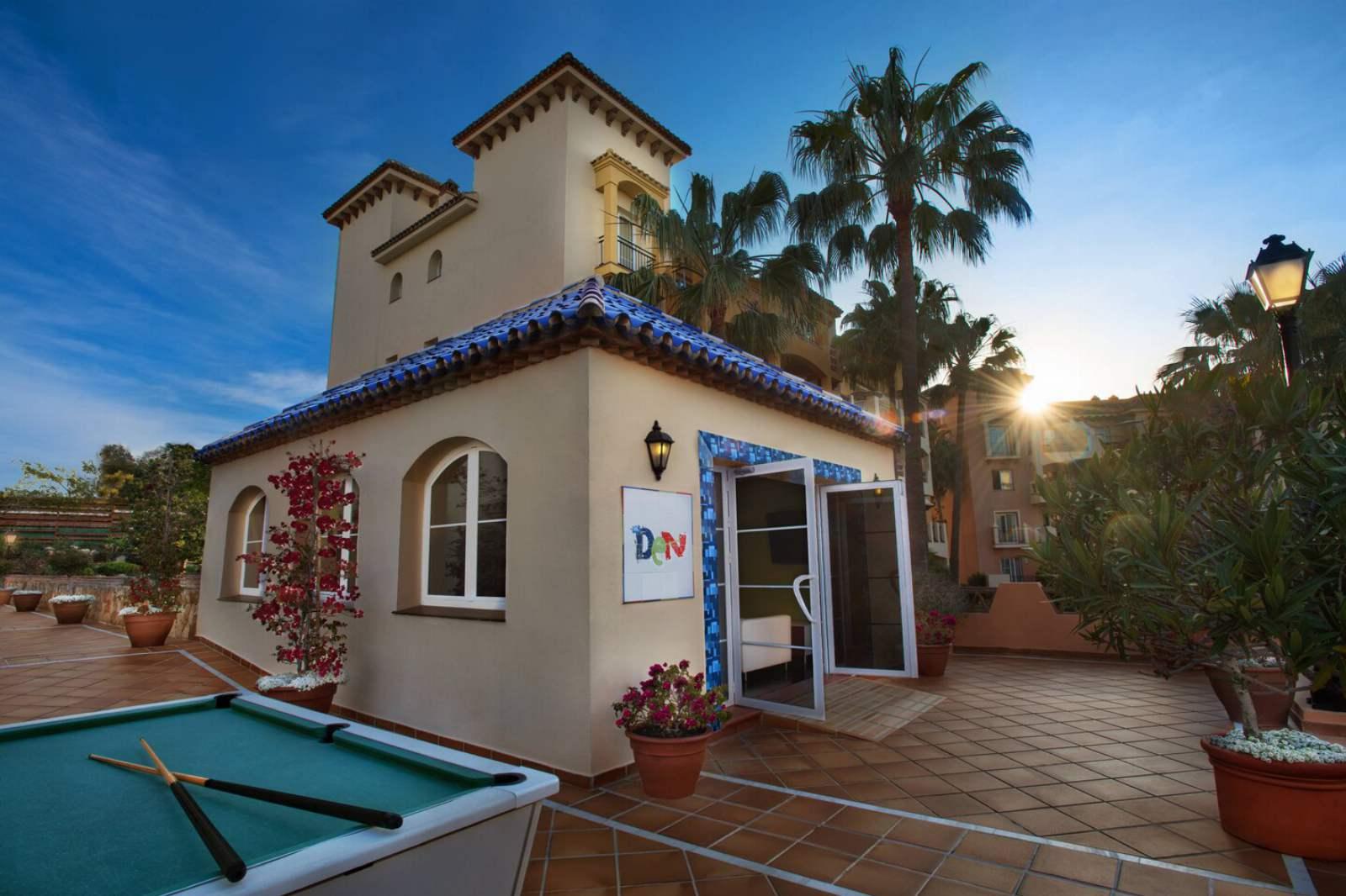Marriott's Marbella Beach Resort - The Den