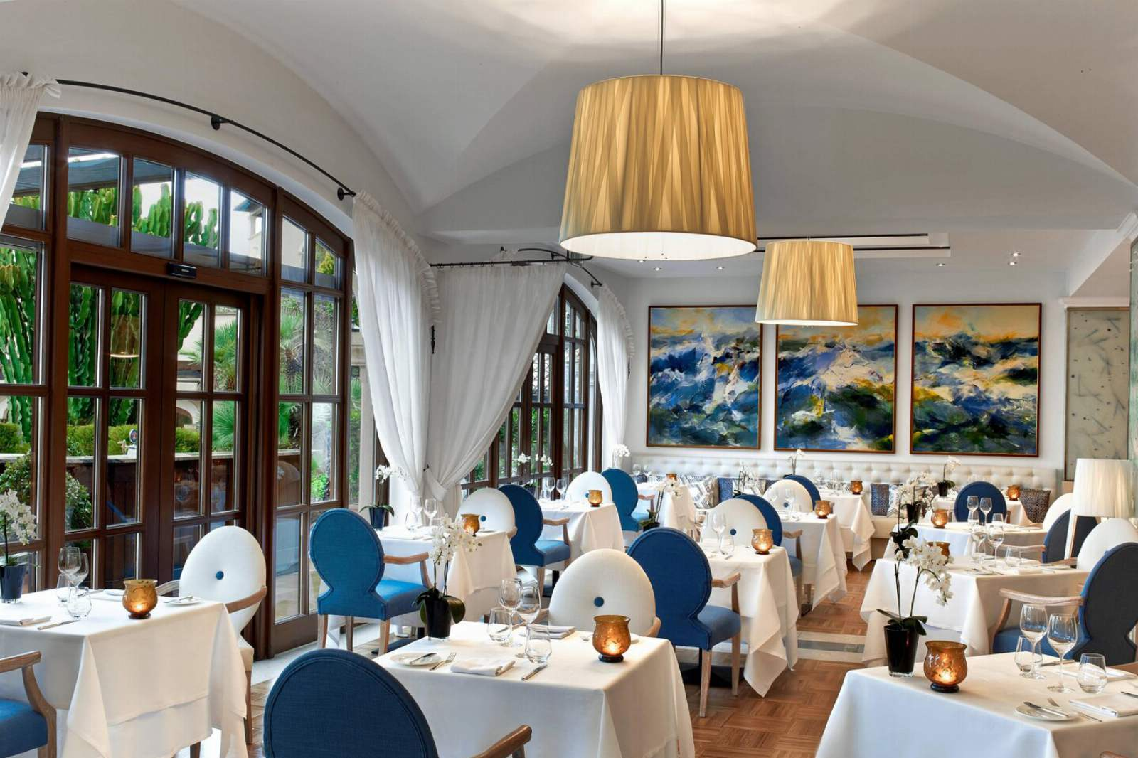 St. Regis Mardavall Resort - Aqua Restaurant