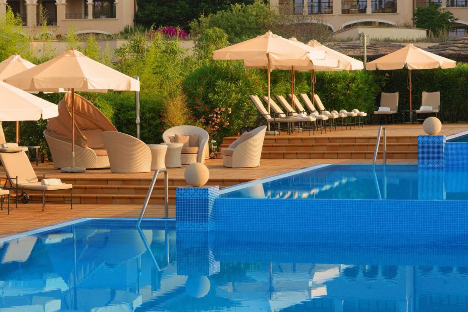 St. Regis Mardavall Resort - Swimming Pool