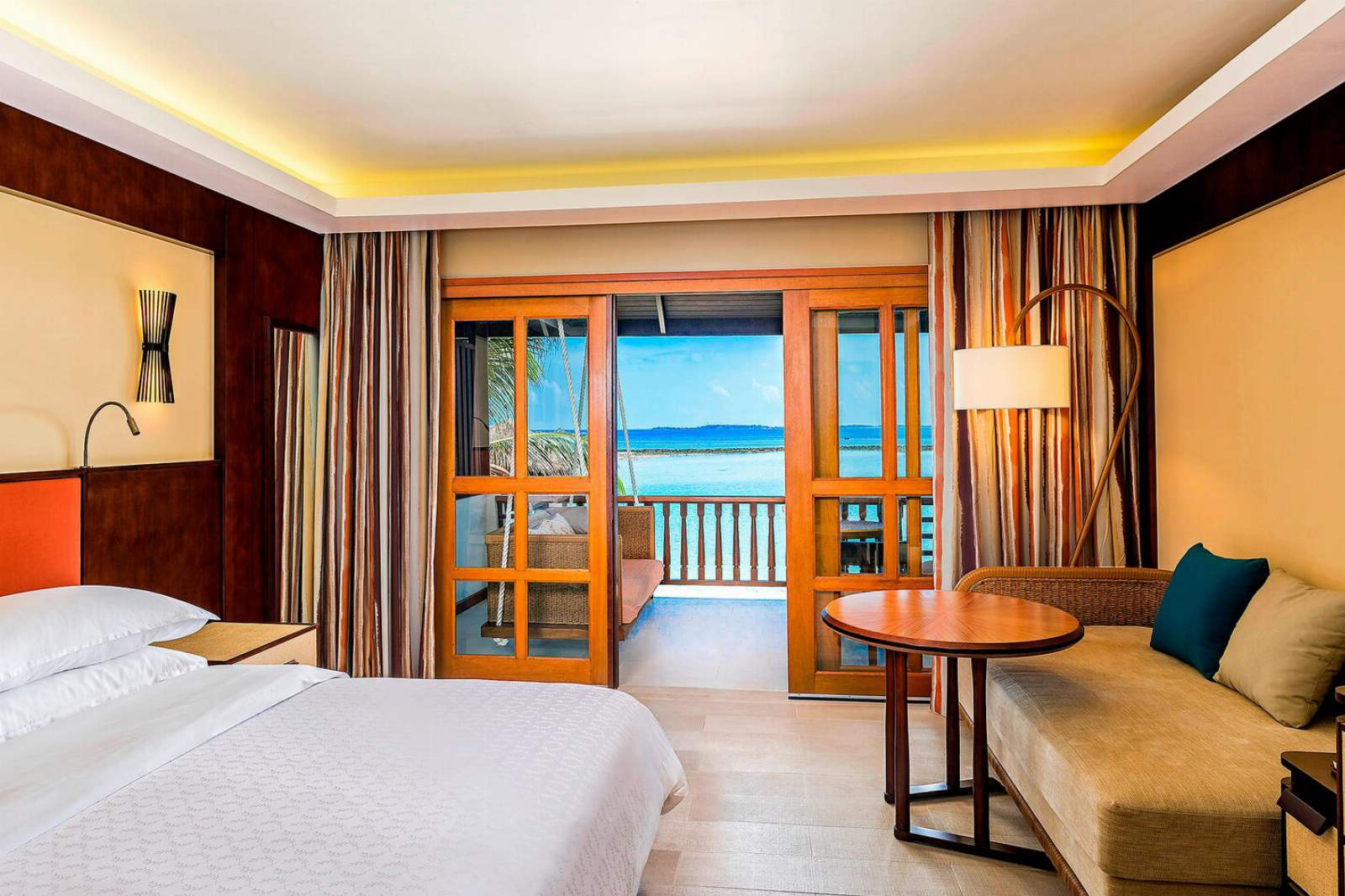 Sheraton Maldives Full Moon Resort & Spa Deluxe Guest Sea View