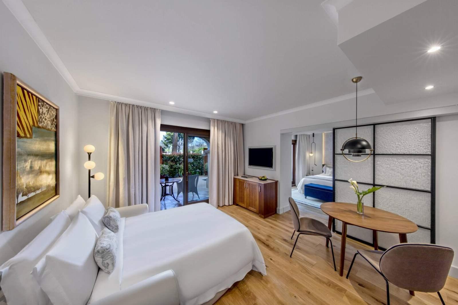 St. Regis Mardavall Resort - Family Room