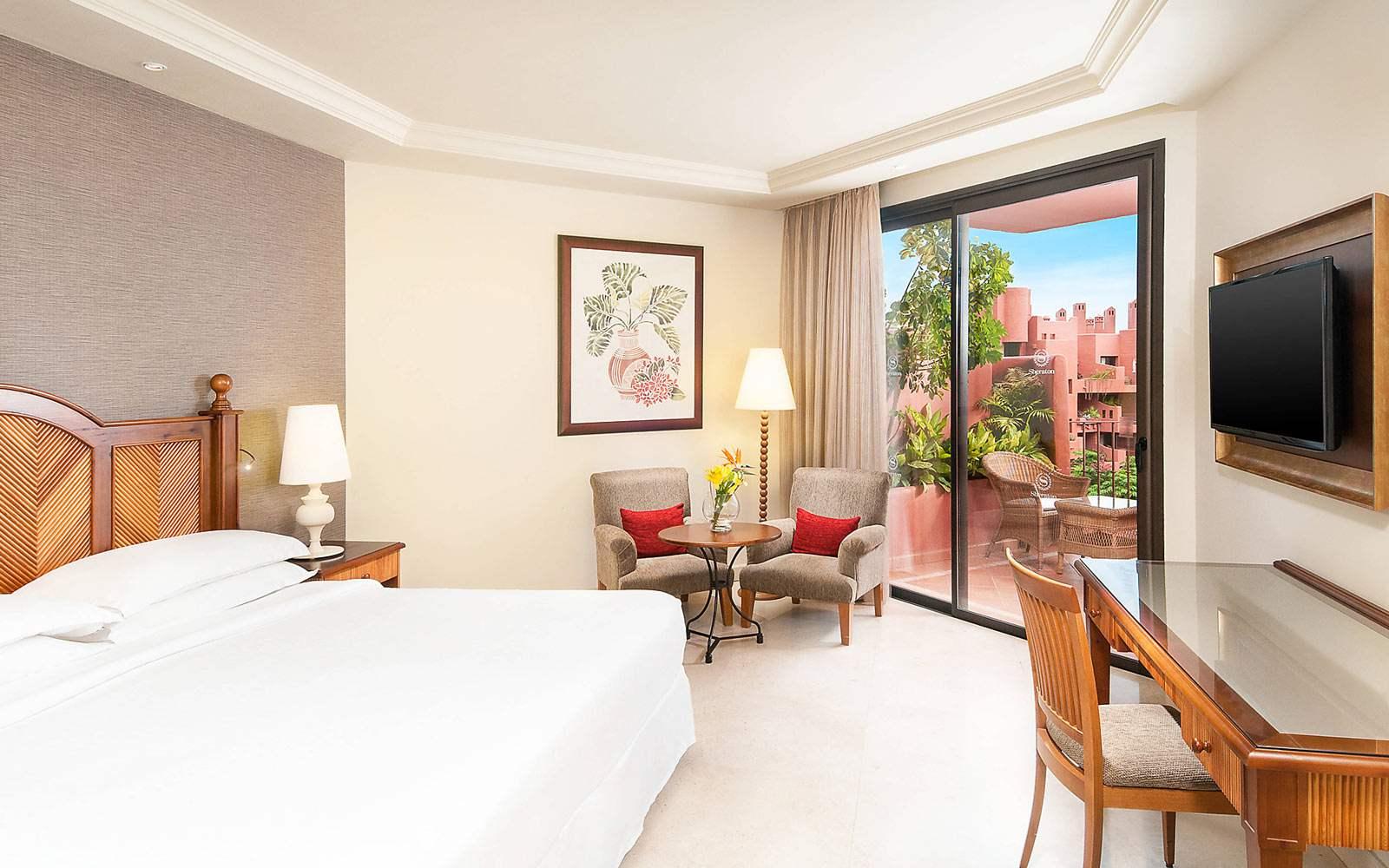 Sheraton La Caleta Resort & Spa - King Guest Room Garden View