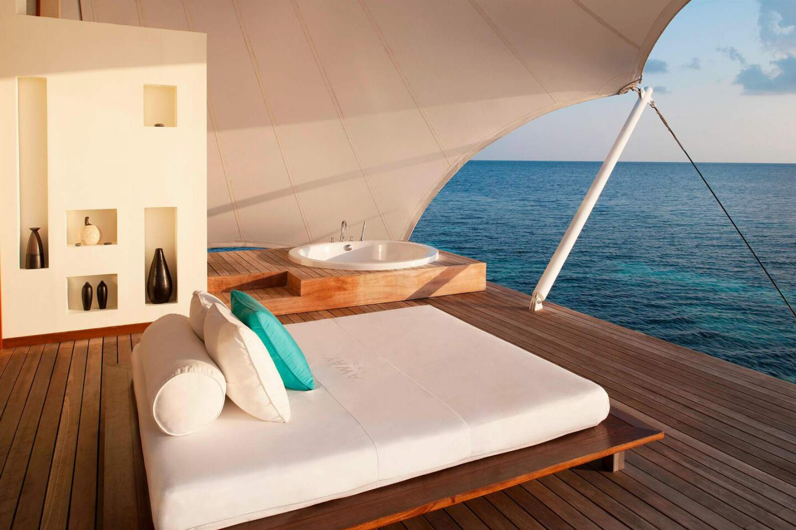 W Maldives - AWAY Spa Treatment Room