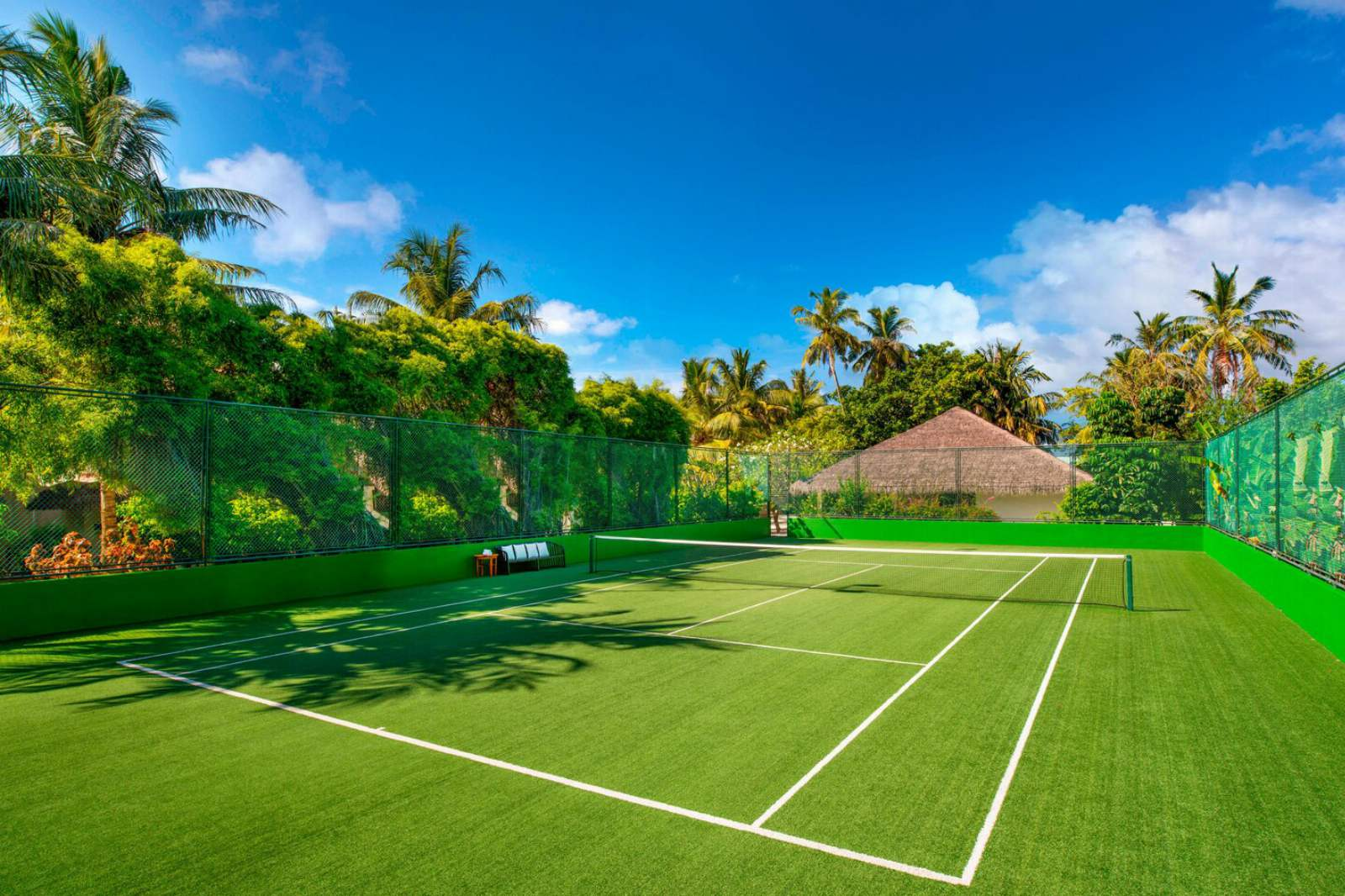 Sheraton Maldives Full Moon Resort & Spa Tennis Court