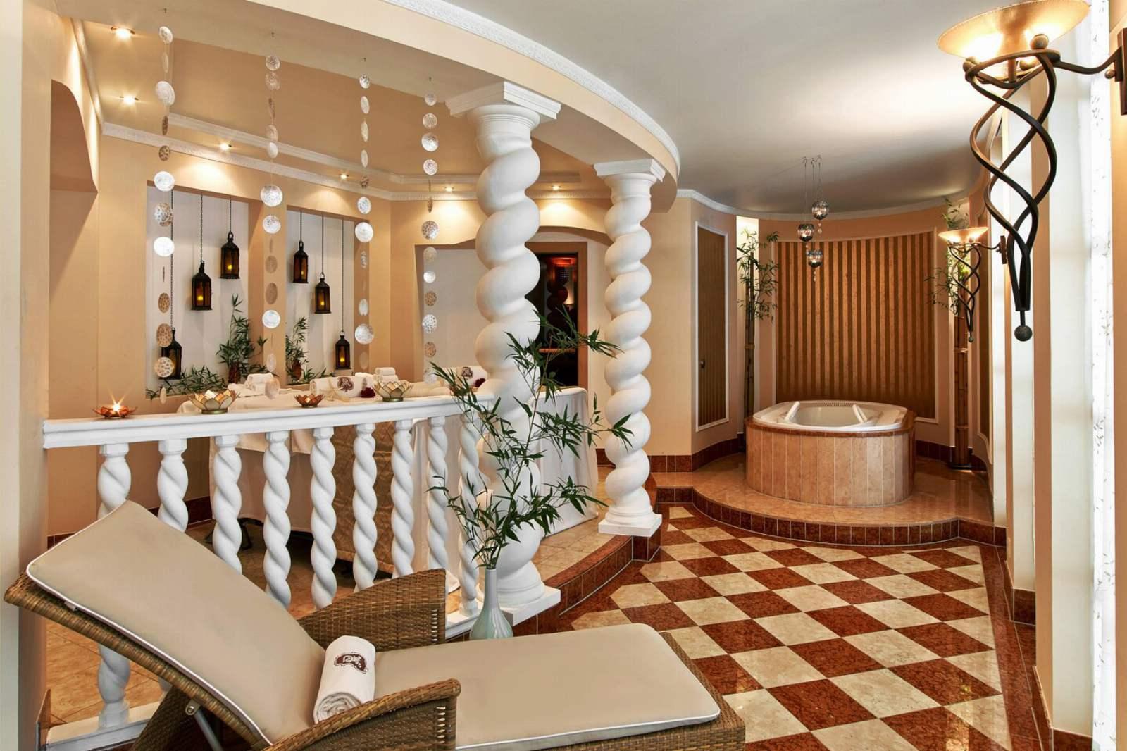 St. Regis Mardavall Resort - Arabella Spa Treatment Room