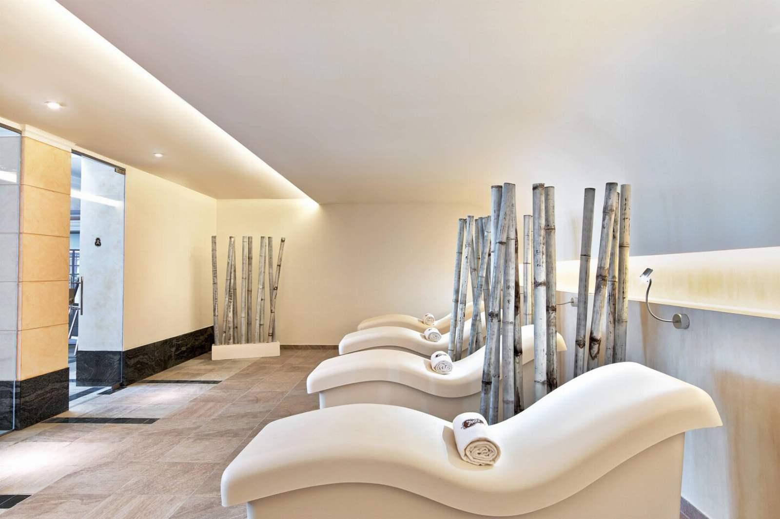 St. Regis Mardavall Resort - Arabella Spa Relaxation Area