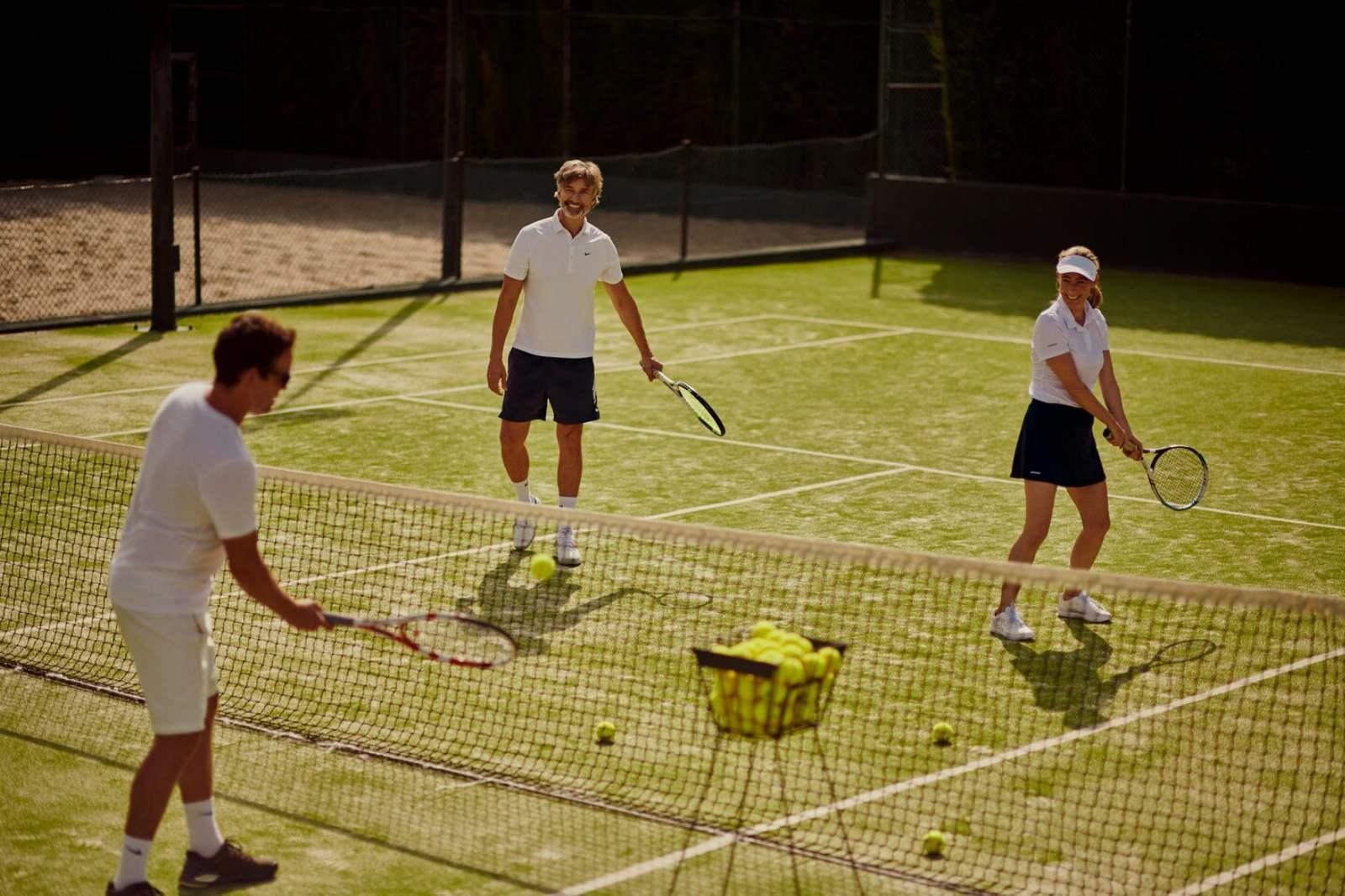 St. Regis Mardavall Resort - Tennis Court