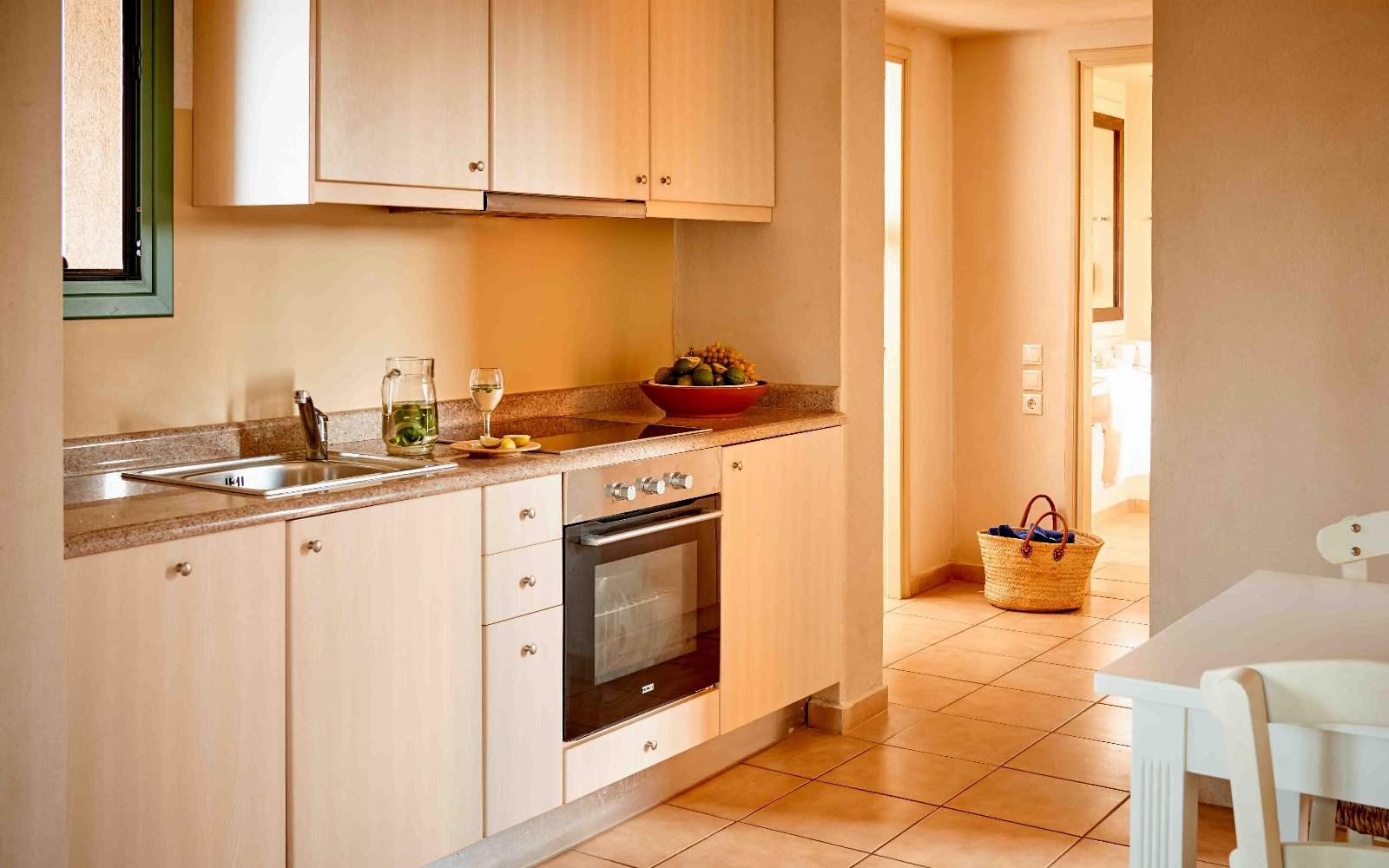 Village Heights Resort  1 Bedroom Apartment Kitchen