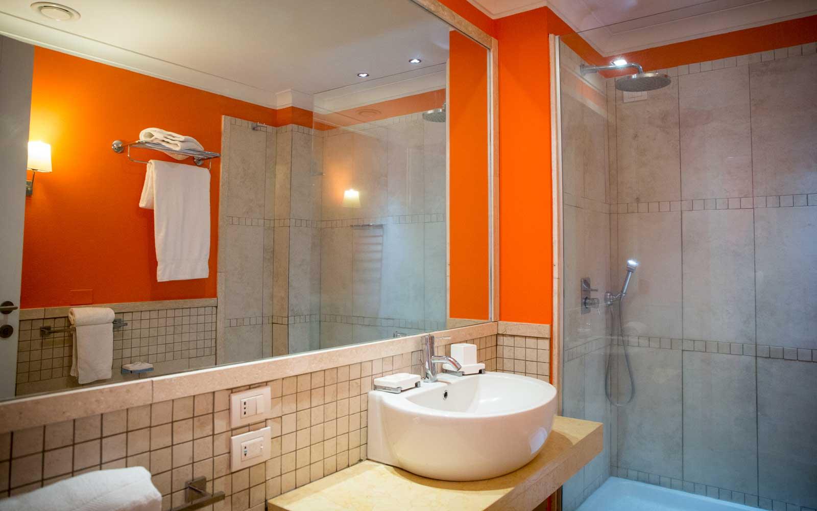 Superior Bathroom at Hotel Riviera