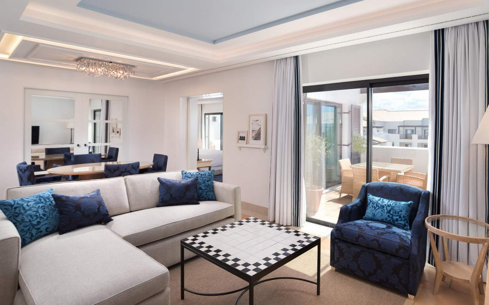 Pine Cliffs - Neptuno Suite living room