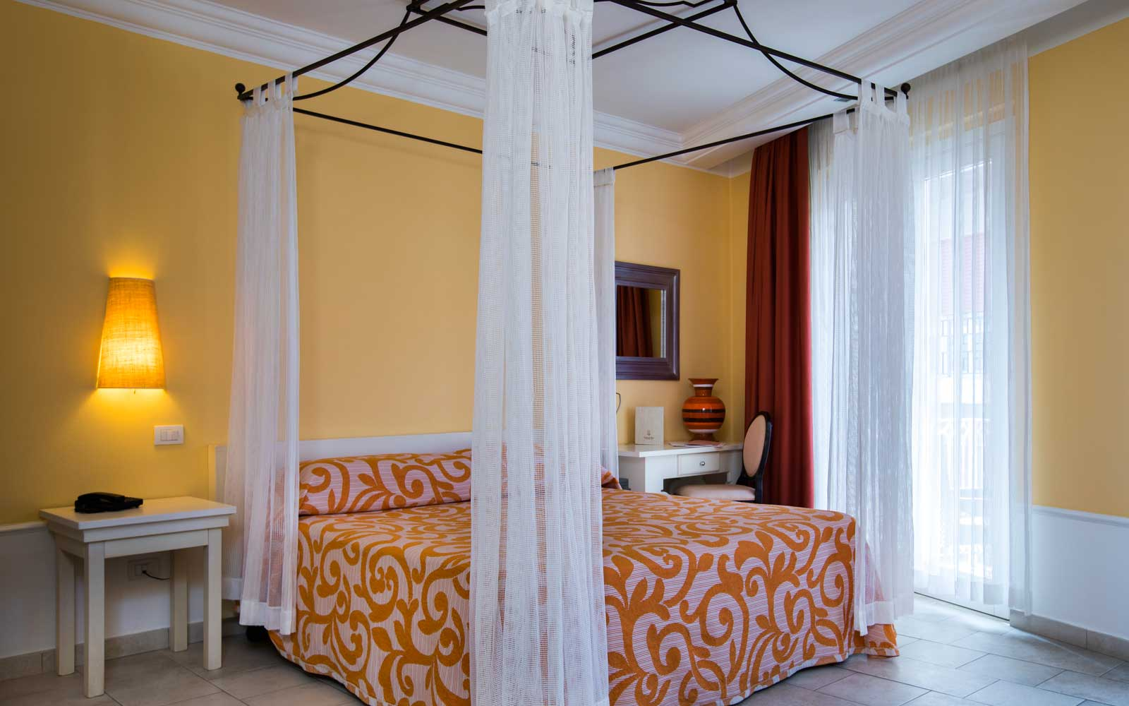 Deluxe Room with City View at Hotel Riviera