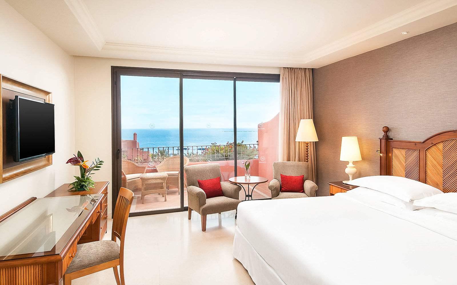 Sheraton La Caleta Resort & Spa - King Guest Room Sea View