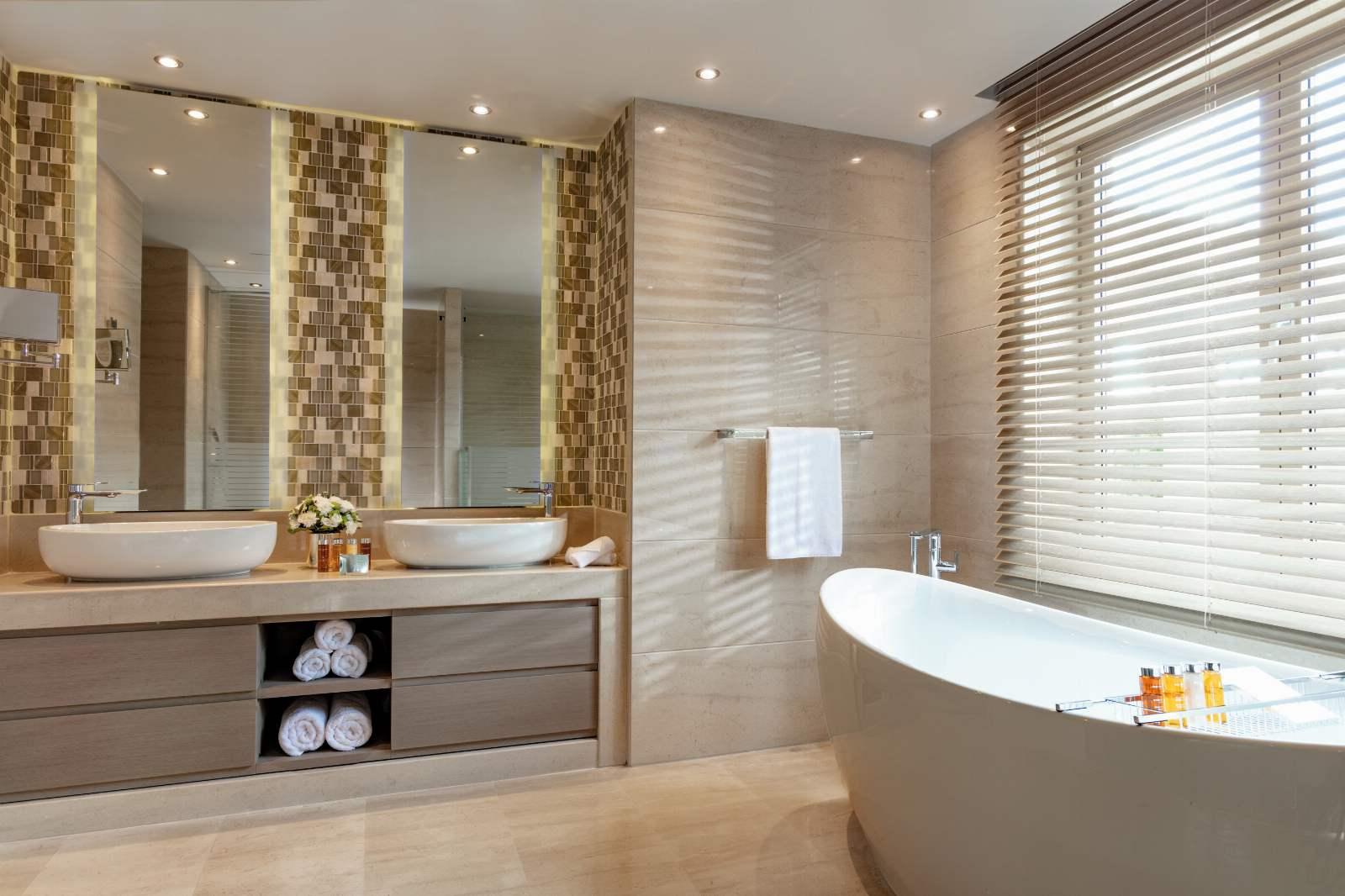 Sani Asterias Deluxe Suite Bathroom