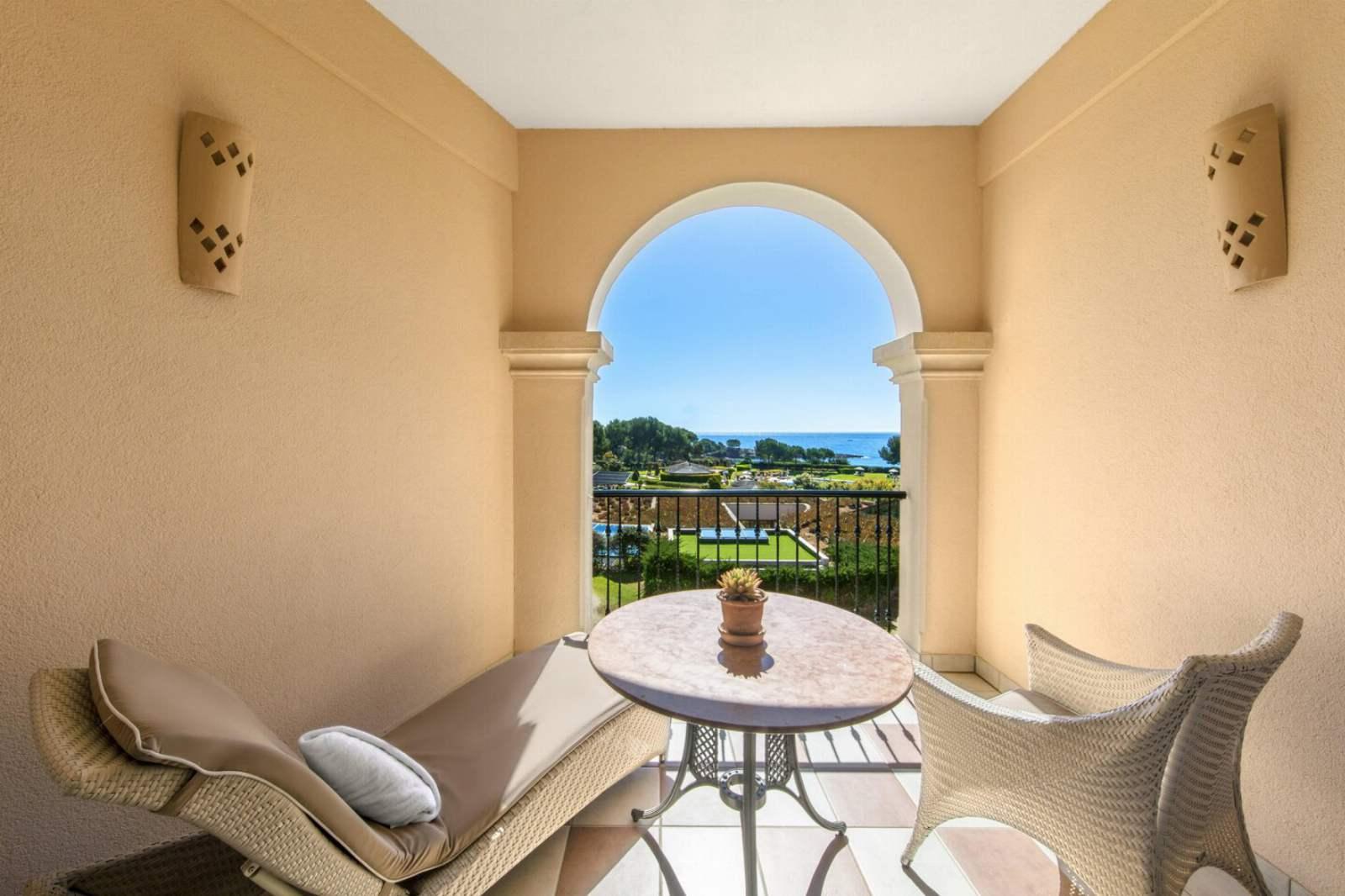 St. Regis Mardavall Resort - Grand Deluxe Room, Sea View