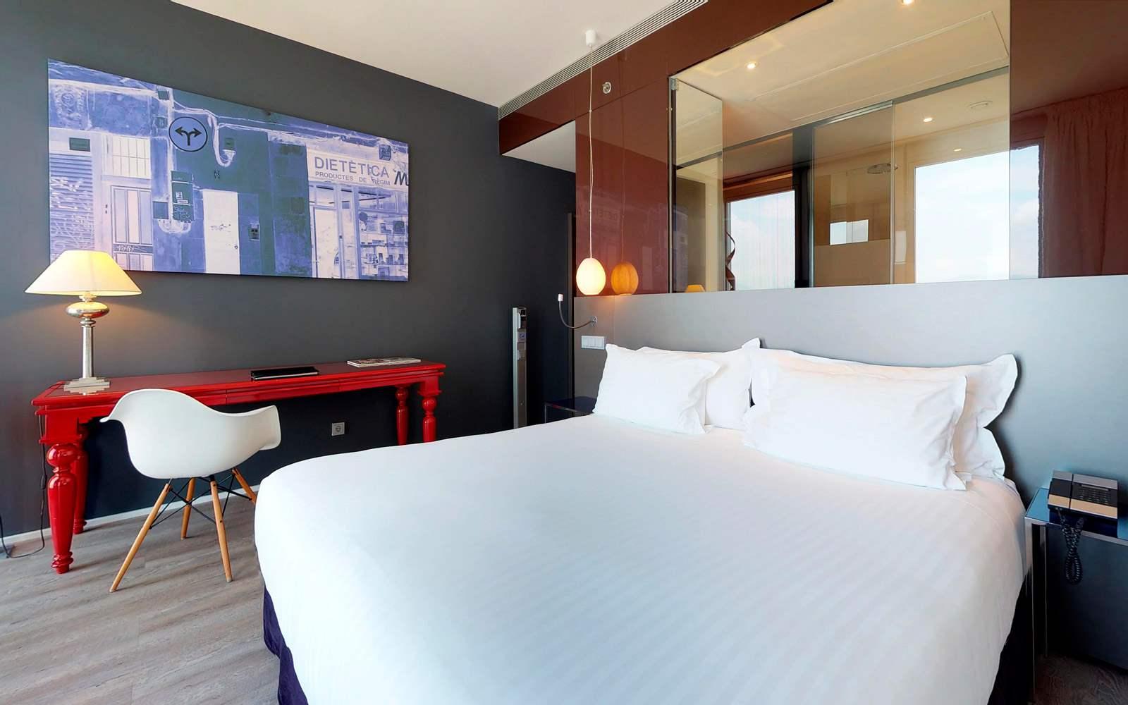 Melia Sky Barcelona - The Level Room