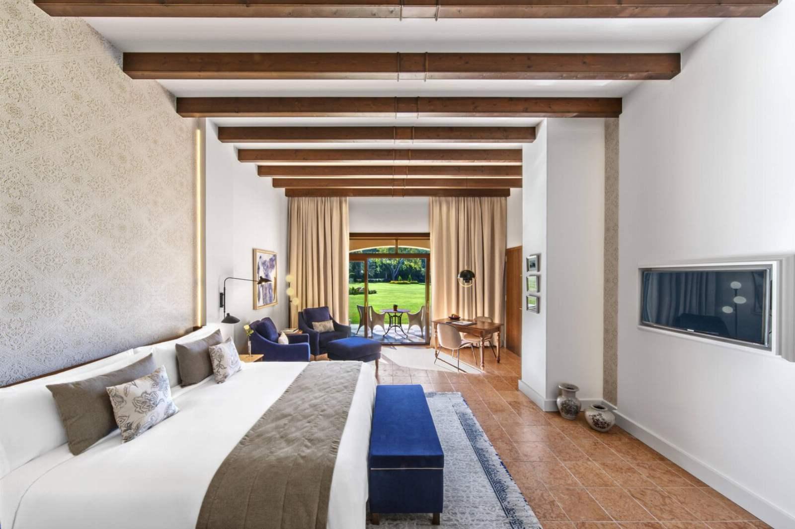 St. Regis Mardavall Resort - Junior Suite, Garden Access