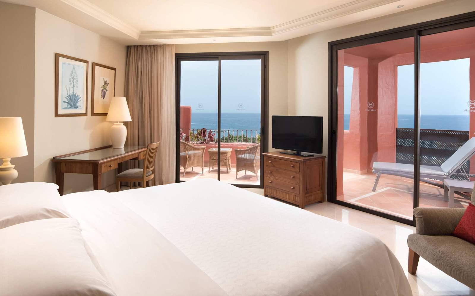 Sheraton La Caleta Resort & Spa - Premium Suite