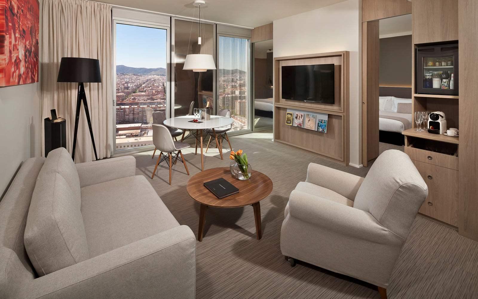 Melia Sky Barcelona - Junior Suite - living room