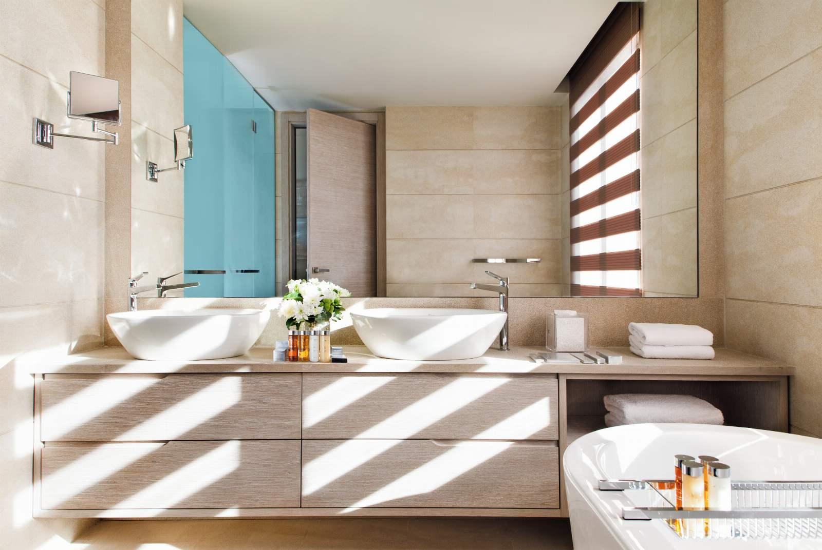 Sani Dunes Bathroom