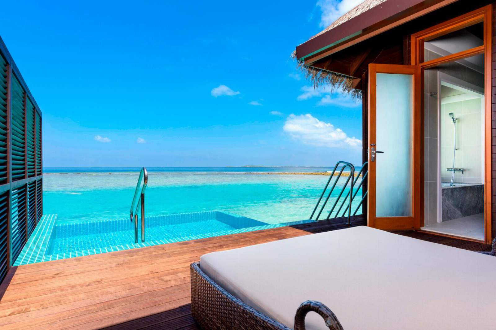 Sheraton Maldives Full Moon Resort & Spa Water Bungalow