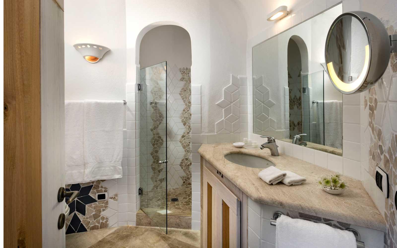 Apartment Bathroom at Grand Hotel Poltu Quatu